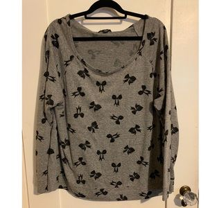 Forever 21 , 3x feat sweatshirt with bow print